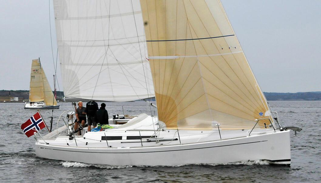 ELEGANT: Grand Soleil 37 får poeng for sine rene og elegante linjer.