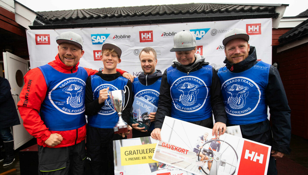 TIL TOPPS: For andre gang vant Åsgårdstrand Seilforening eliteserien. Fra venstre: Torbjørn Lunde, Sindre Sørebø, Jostein Grødem, Trym Markussen og Karl Otto Book.