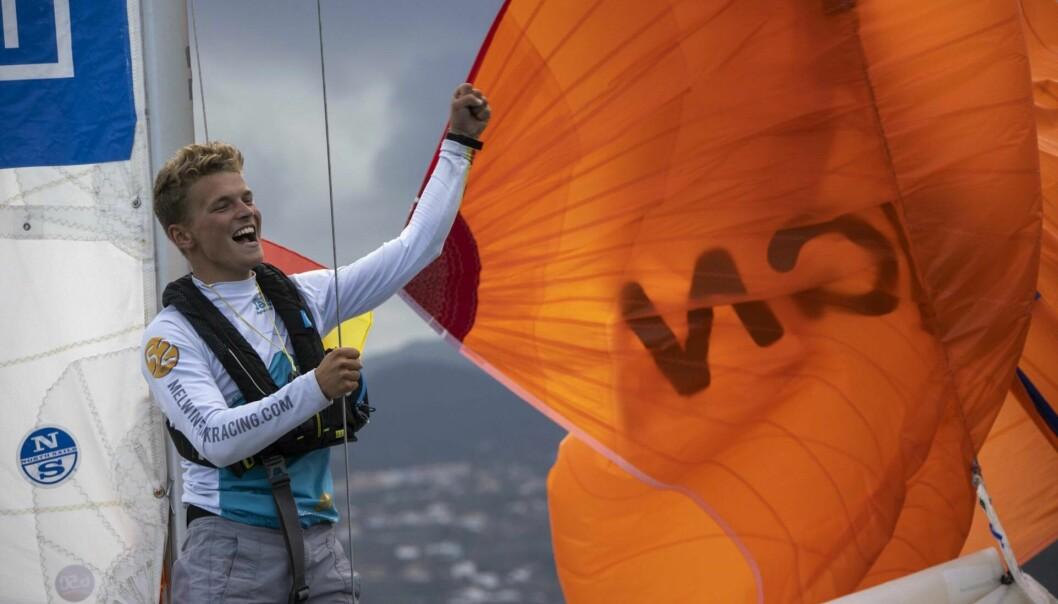 SEIER: 19 år gamle Fink fortsatte å seile da de fleste søkte nødhavn.